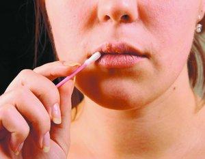 Лечение губ от трещин