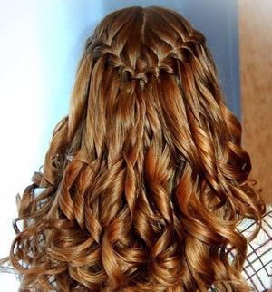 Прическа Локоны в косе