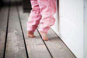 Ребёнок ходит на носочках, в чем причина
