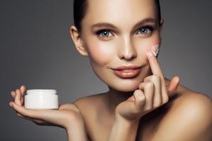Правильный уход за кожей лица в 20 лет