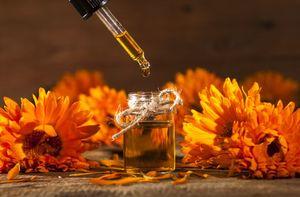 Масло календулы Узнайте, как применять масло календулы в домашней косметологии для ухода за кожей