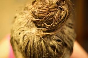 Бесцветная хна для укрепления волос: польза и применение