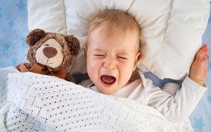 Как когда приучить ребенка спать отдельно
