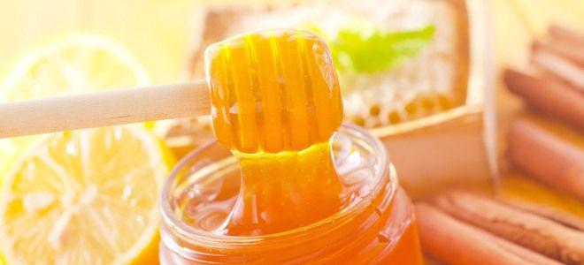 Маска с медом и корицей для ссылки краски