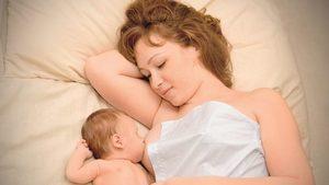 Застой молока у кормящей мамы лечение