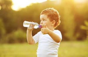 Сколько воды нужно пить ребенку
