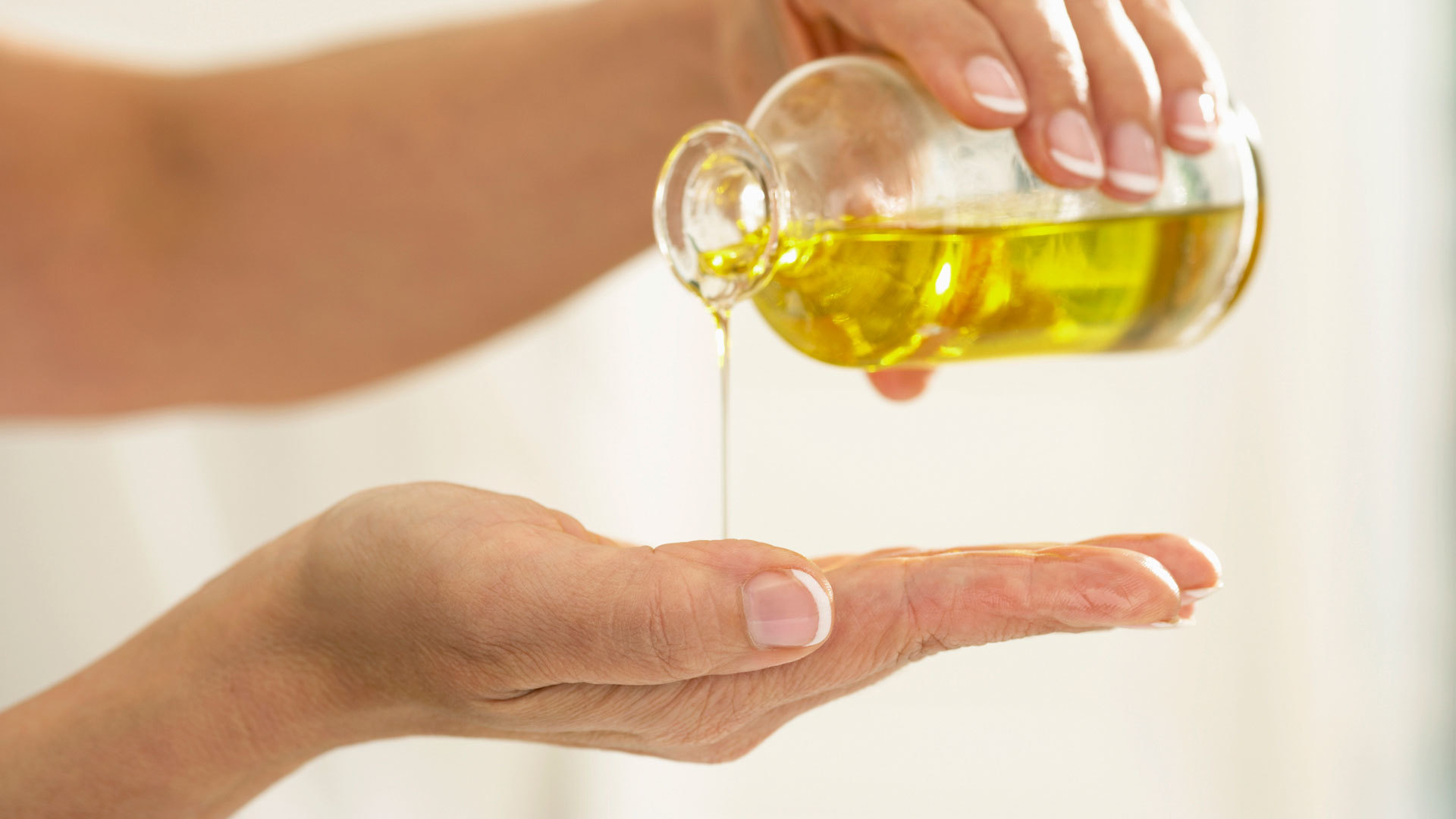 Оливковое масло для волос - польза, полезные свойства, применение